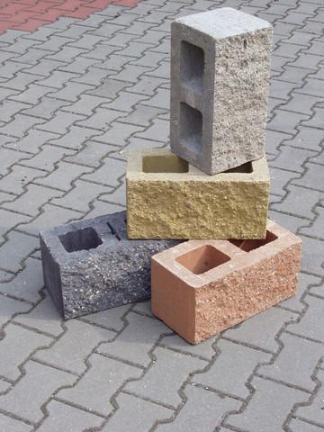 Štípané betonové tvárnice